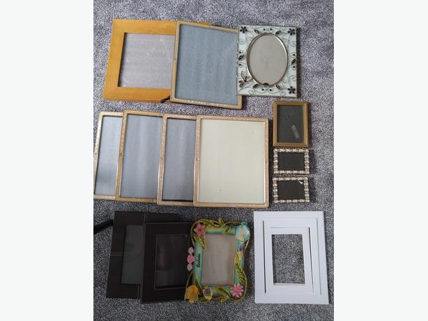 30 MIXED PHOTO/PICTURE FRAMES **REDUCED**