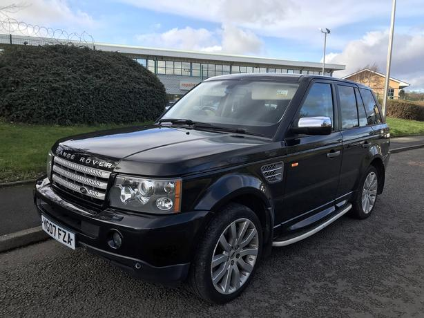 Land Rover Range Rover Sport 4.2 V8 SUPERCHARGED HSE. Service History