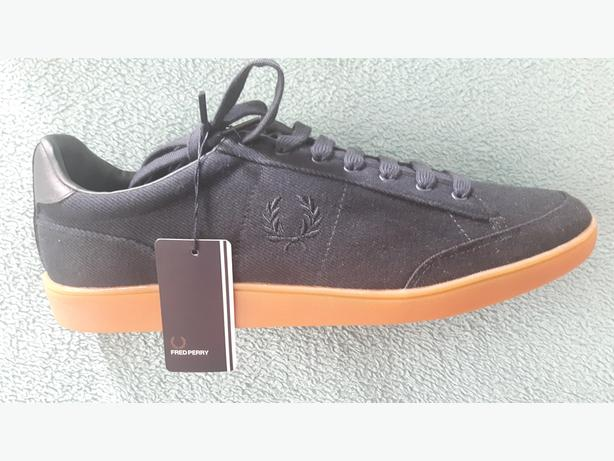 Fred Perry trainers