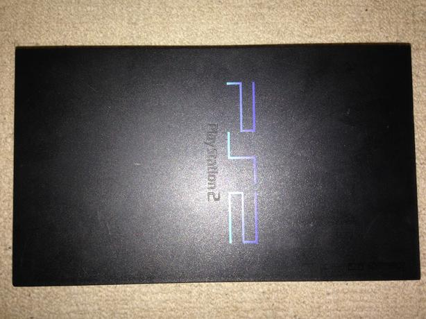 PS2 Console + Controller