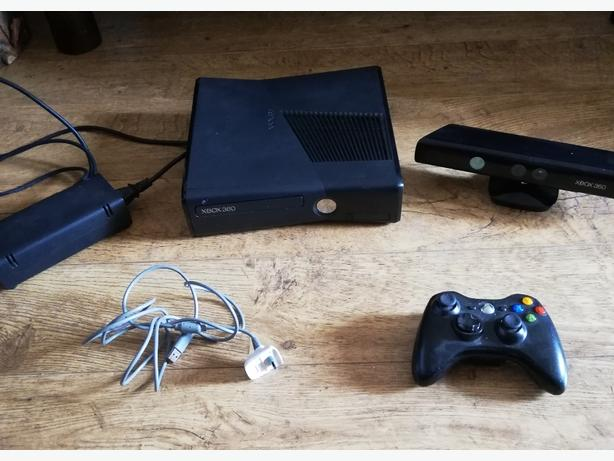 XBOX 360, CONTROLLER, 26 GAMES Outside Black Country Region