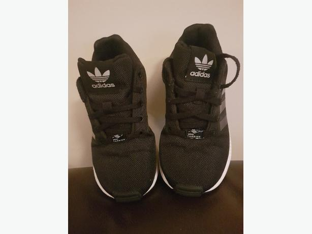 Boys Adidas Flux Trainers size 12.5