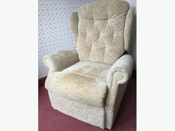 Celebrity Woburn Petite Dual Motor Rise & Recline Chair,riser recliner