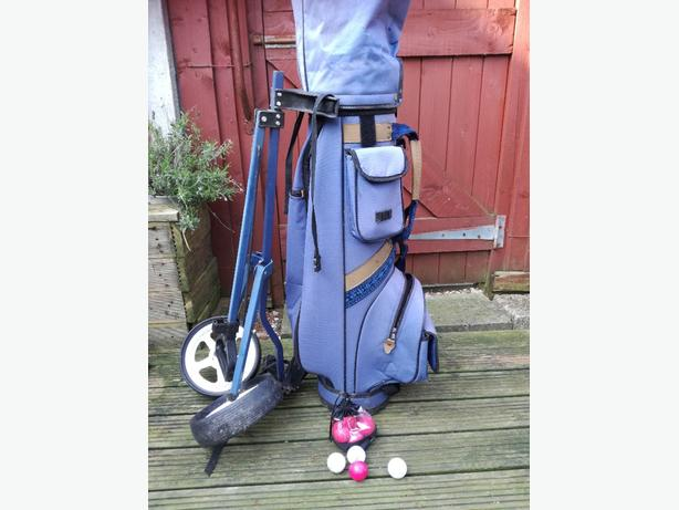 ladies full set of golf clubs & trolley