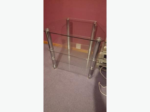 Glass hifi unit