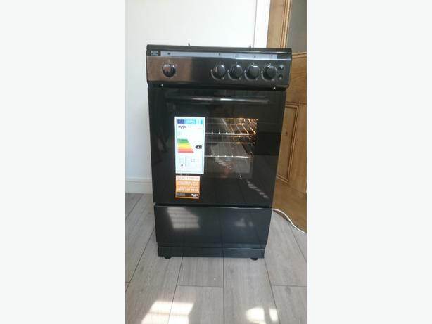 BLACK BUSH GAS COOKER IMMACULATE AS NEW