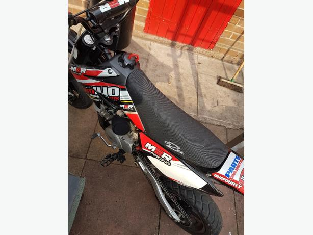 140cc Pitbike w/Road Tyres