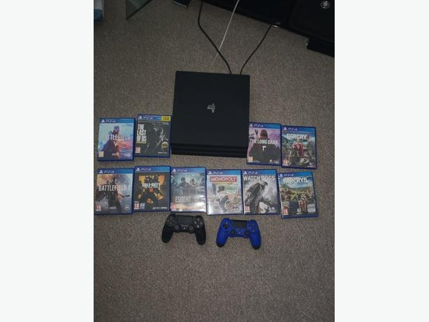 PS4 PRO 10GAMES 2PADS BOXED
