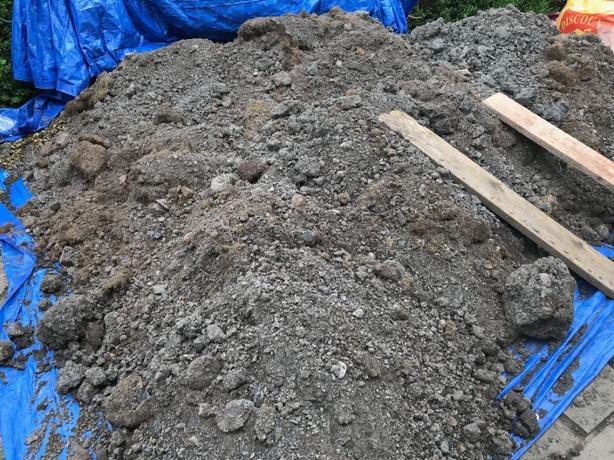 FREE: garden soil free to collectir