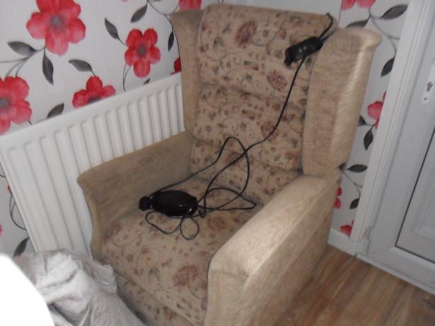 tilt lift rise  remote mobility chair