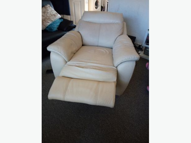 Enjoyable Electric Recliner Chair West Bromwich Wolverhampton Pabps2019 Chair Design Images Pabps2019Com