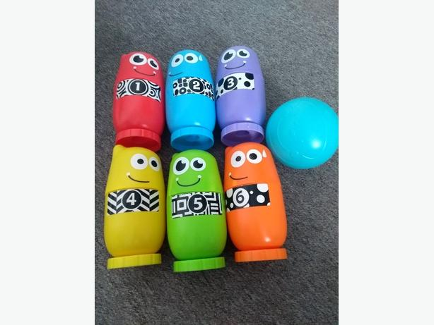 bowling and stacking set