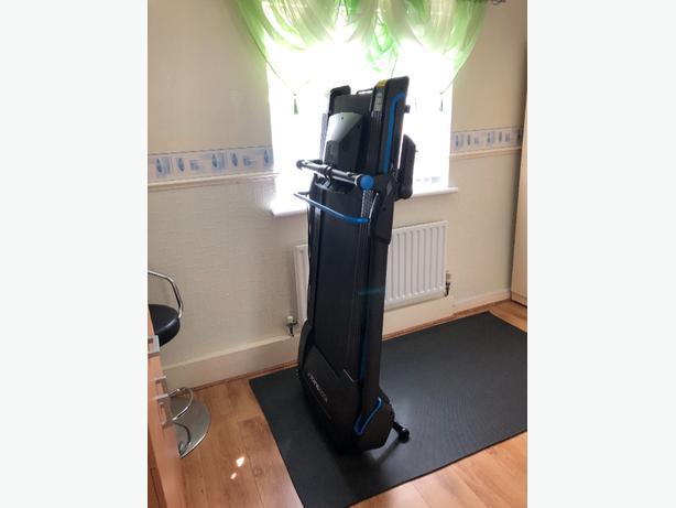 Roger Black Easy Fold Down Treadmill