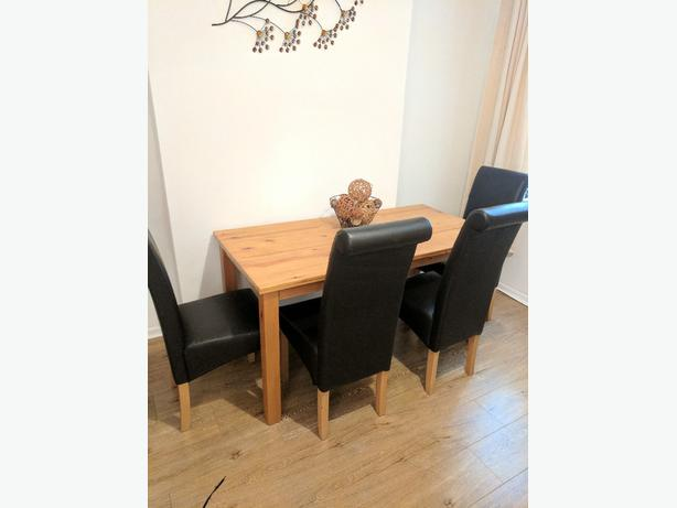 pine table 5ftx 2.5ft 4  faux brown leather chairs