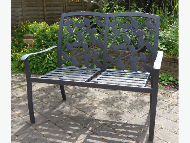 Metal garden seat