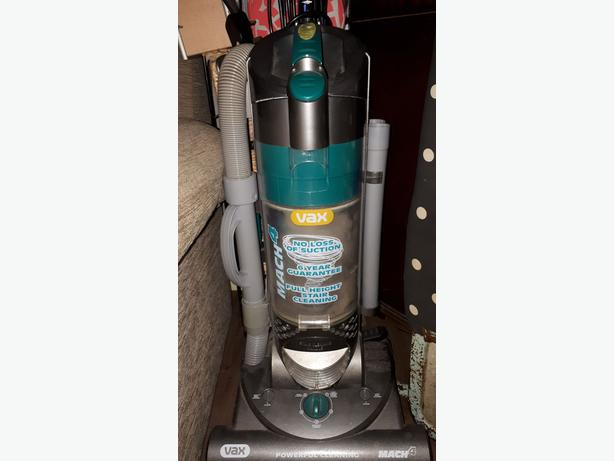 Vax bagless upright hoover