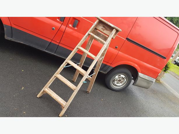 VINTAGE 5 STEP + PLATFORM LADDERS RUSTIC WEDDING DISPLAY GC