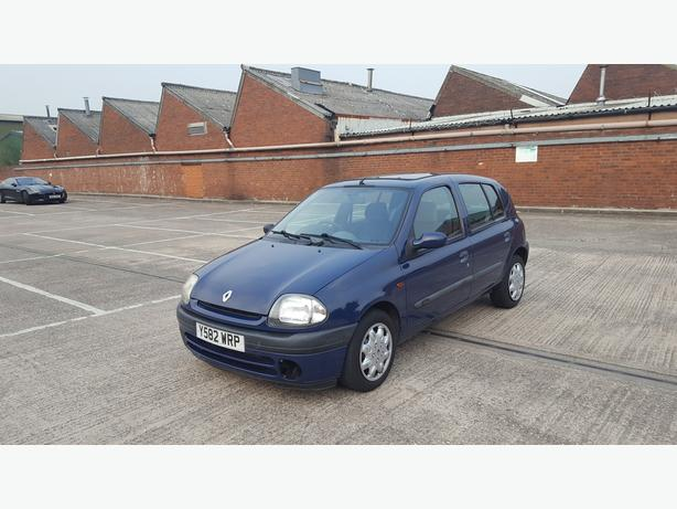 Automatic Clio 1.4, 70000 on clock, full mot till June 2020,, very easy to drive