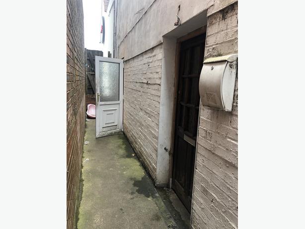 *B.C.H*-1 Bed First Floor Flat, Dudley Road, STOURBRIDGE