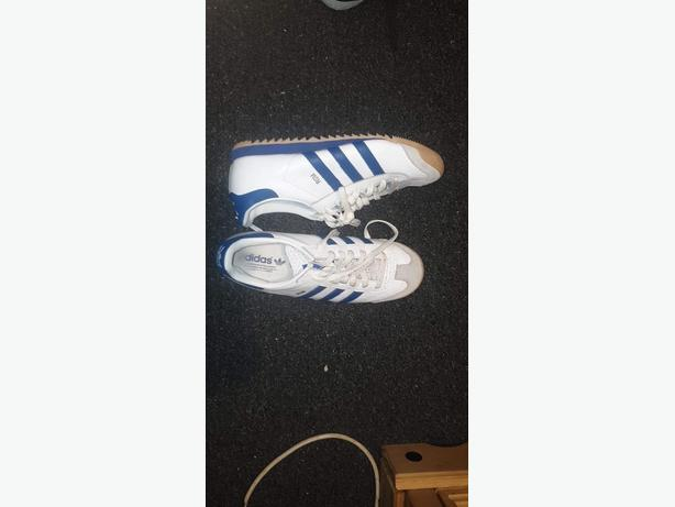 7/8 pairs of mens trainers