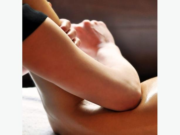Relaxing and deep tissue massage in Forest Gate
