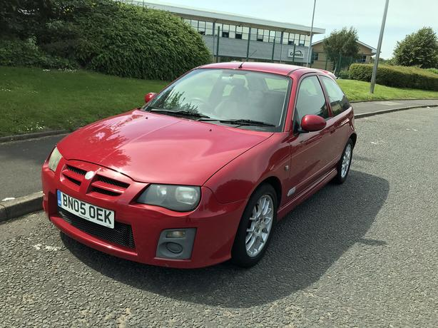 MG ZR 1.4 105 ONE owner car with Service History and a long MOT until March 2020