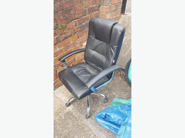 Office chair executive style
