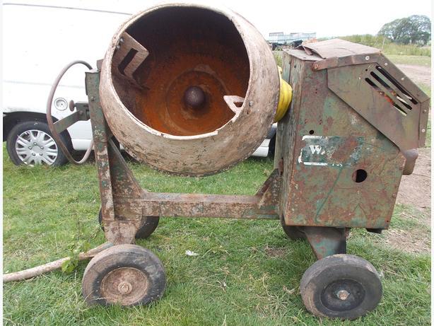 Diesel Site Cement MixerPetter Engin
