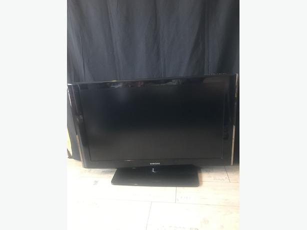 """samsung 40"""" full hd lcd tv+freeview+good working+remote+FREE DELIVERY"""