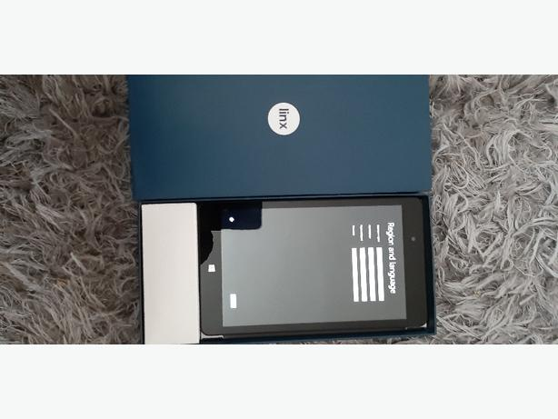 Linx 8 tablet with box charger and keyboard Pelsall