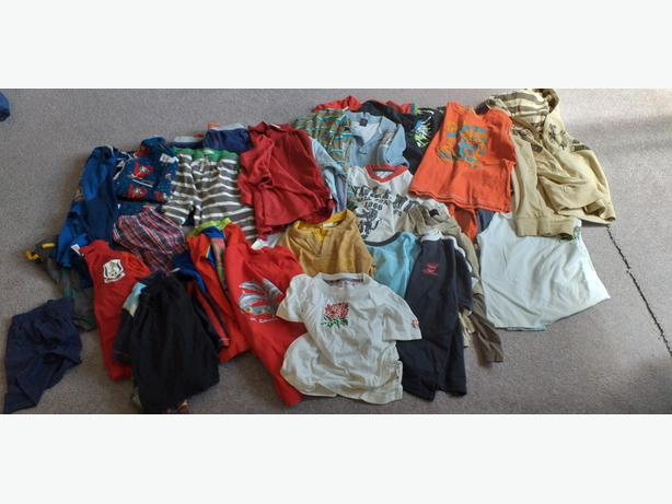BUNDLE OF BOYS CLOTHES AGE 6/8