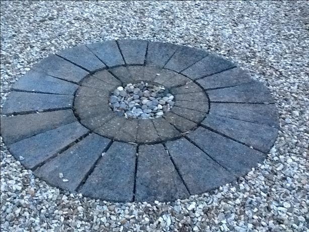 Garden stone circle feature