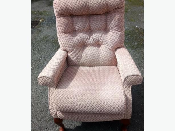 Single reading relaxing chair delivery available