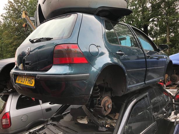 VW Golf Mk4 2003 1.6 petrol - breaking