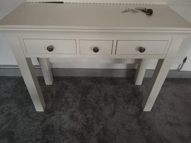 Cotswold dressing table