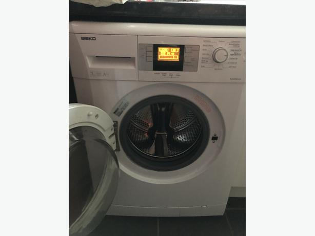 Beko washing machine 7kg 1600 spin good condition white