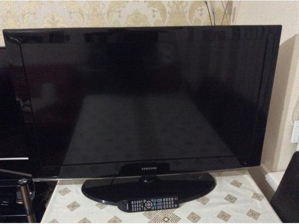 40 INCH SAMSUNG LCD TV MODEL LE40A456C2D