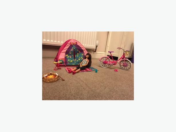 Barbie tent and bicycle