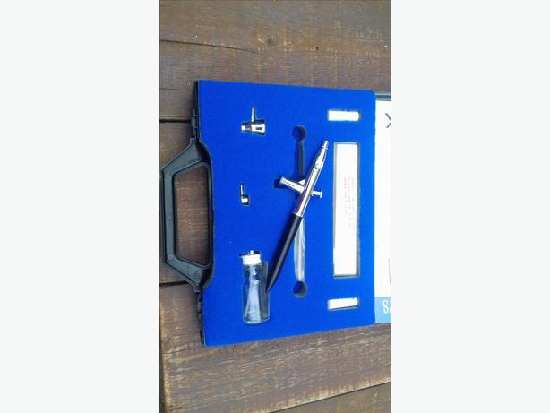 Devilbiss Airbrush Kit - Spray Gun