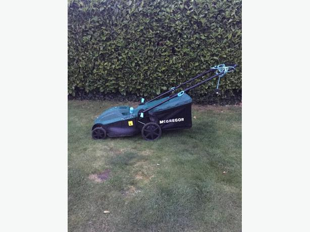 mcgregor large lawnmower