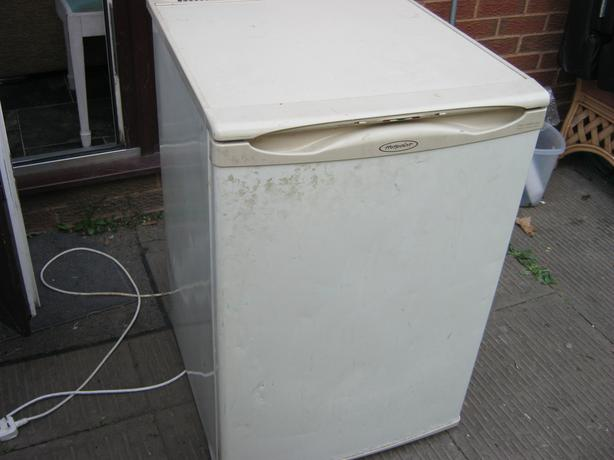 Small Hotpoint fridge freezer