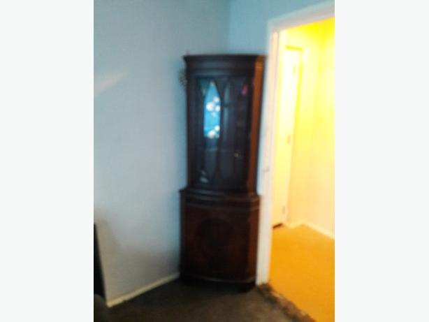 Good condition courner cabinet