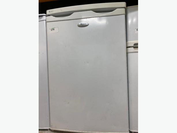 whirlpool under cpunter fridge at RECYK APPLIANCES