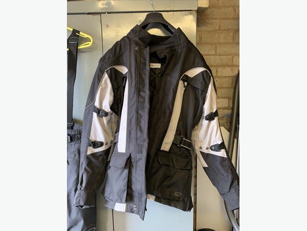 Women's motorbike jacket, trousers & gloves