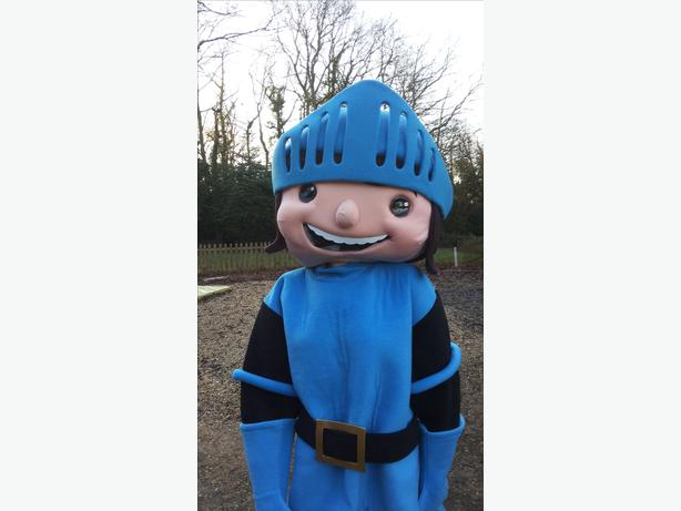 MIKE THE KNIGHT MASCOT COSTUME HIRE KIDS PARTY ENTERTAINMENT CBEEBIES