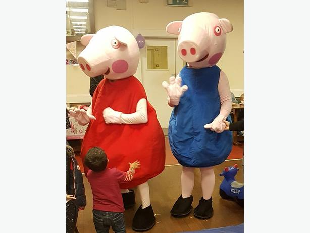PEPPA GEORGE PIG MASCOT FANCY DRESS COSTUME HIRE KIDS BIRTHDAY PARTY