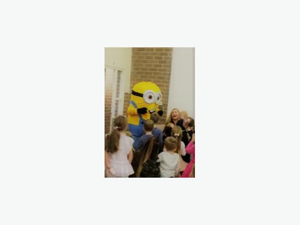 MINION DISPICABLE ME MASCOT COSTUME HIRE CHILDRENS BIRTHDAY PARTY