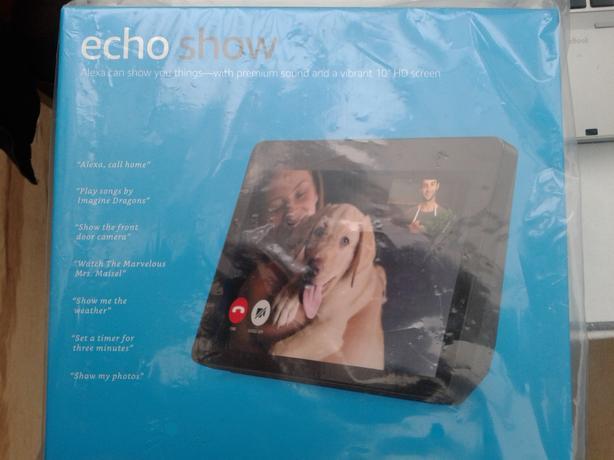 AMAZON Echo Show BRAND NEW IN SEALED BOX