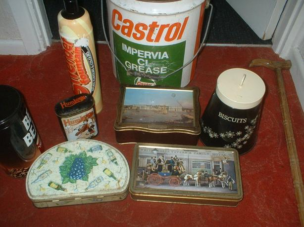 SELECTION OF COLLECTABLE TINS