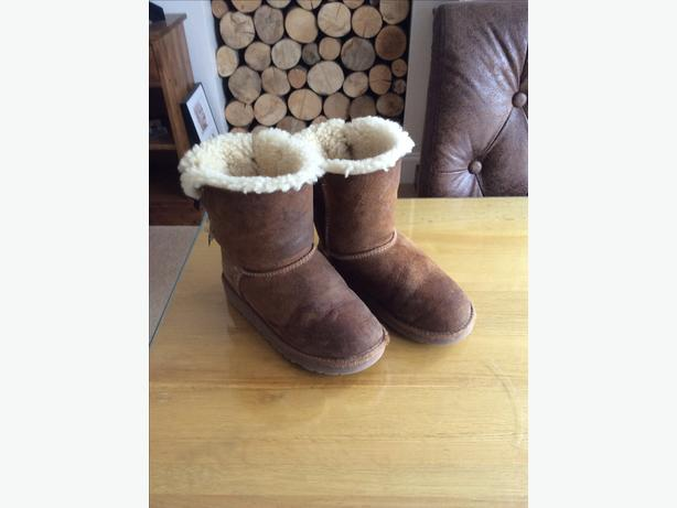 Genuine Bailey bow girls ugg boots size 13